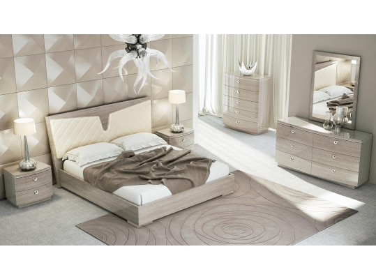 P106 Light Maple Finish Bed
